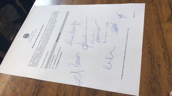 Partido divulgou foto do requerimento  nas redes sociais