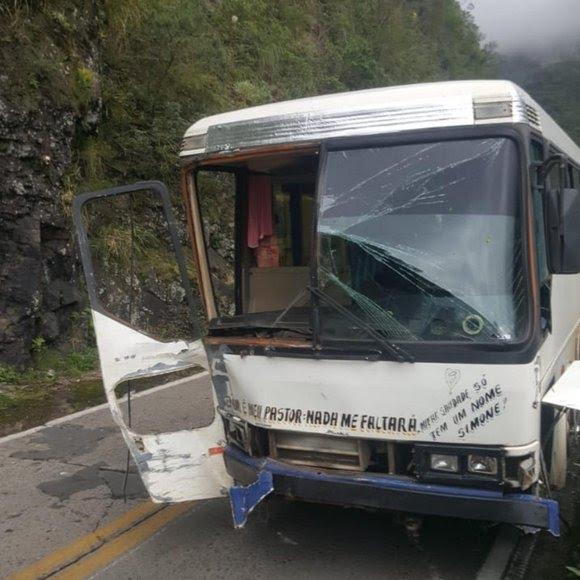 Veículo teria perdido o freio de acordo com a Polícia Militar Rodoviária (PMRv)