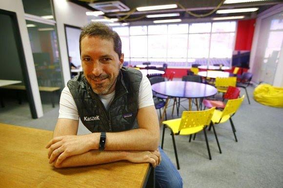 Nico Berman, argentino que trabalha como impulsionador de negócios digitais e se tornou parceiro da Warren