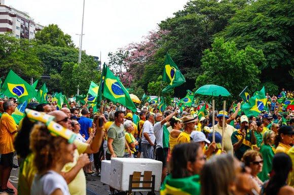 Um dos atos de apoio a Bolsonaro ocorridos no Parcão Moinhos de Vento